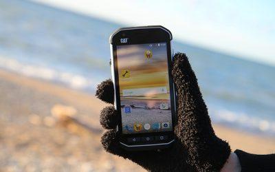 mobilní telefon caterpillar