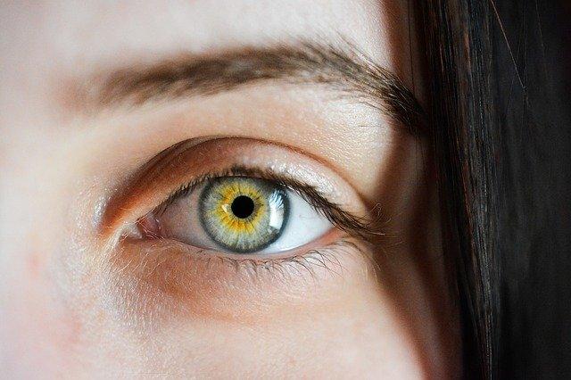 Jak se zbavit kruhů pod očima